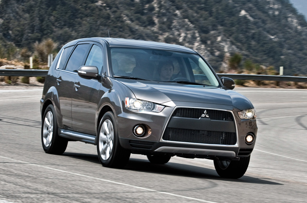 2010 Mitsubishi Outlander GT | Owner Manual PDF