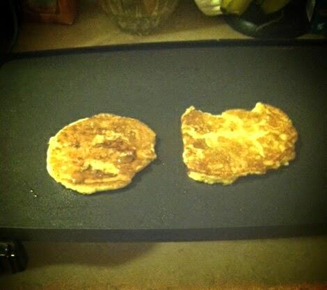how to make banana flourless pancakes