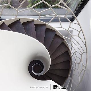 Escalera caracol escultórica renderizado de un proyecto