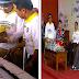 Walikota Depok Bagi-Bagi Brownies Gratis