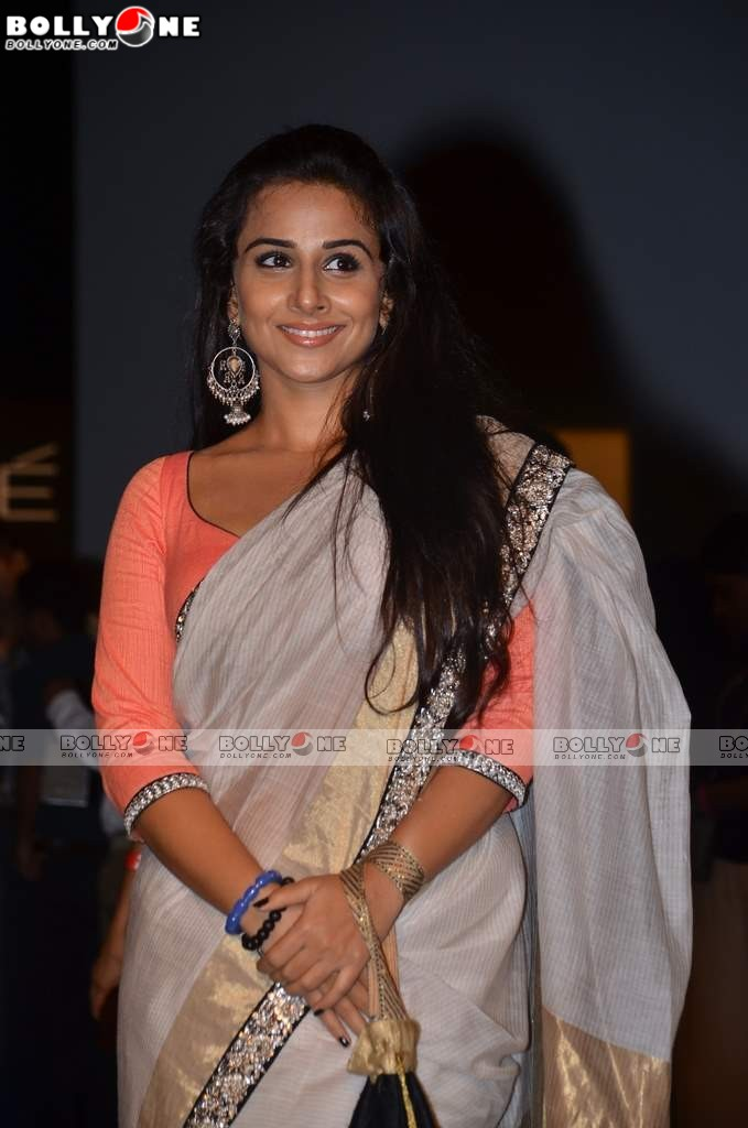 Vidya Balan At Sabyasachi's Show At Lakme Fashion Week