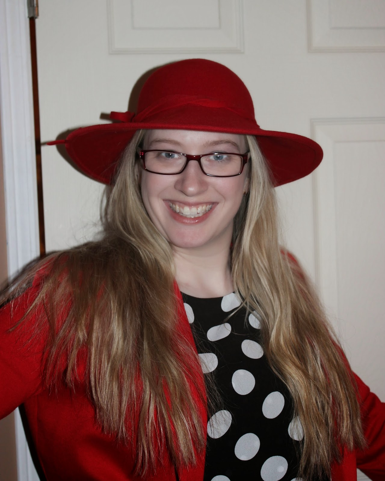 red hat, wide brim hat, felt hat, wool hat, blond woman in hat