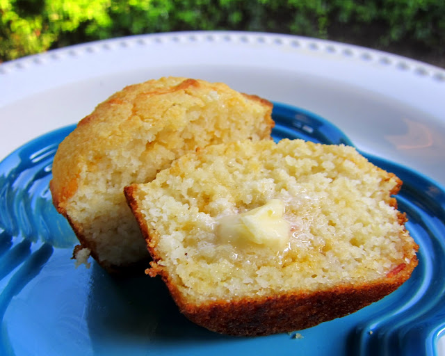 Bacon Cheddar Corn Muffins Recipe - quick homemade corn muffins stuffed with cheese and bacon YUM!