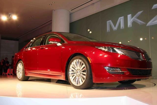 2013-Lincoln-MKZ-new-york-auto-show