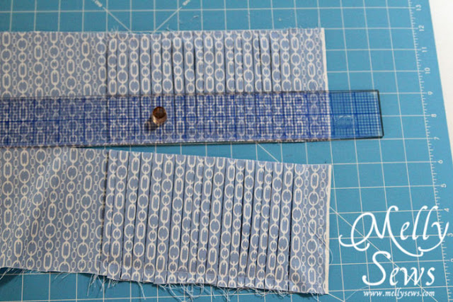 Step 2 - Make an easy pleated zip pouch - DIY sewing tutorial - Melly Sews