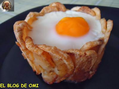 Pisto En Cesta De Patatas Con Jamón, Queso Y Huevo.