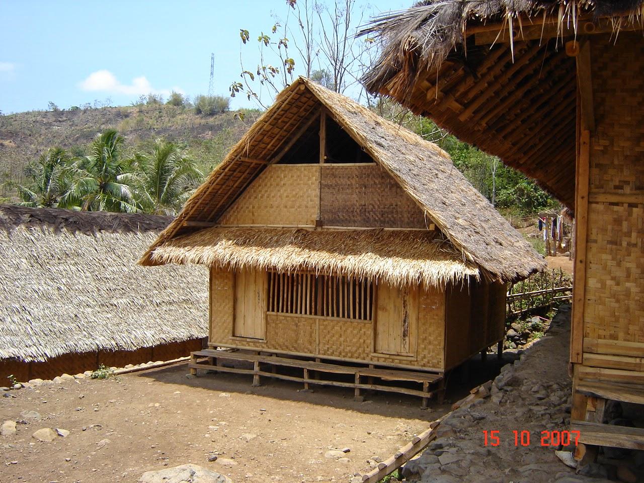 Objek Wisata Kampung Dukuh Garut Jawa Barat