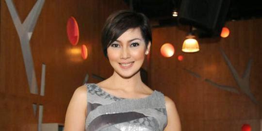Foto Model  Rambut Fenita Arie