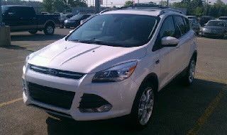 2013 White Ford Escape