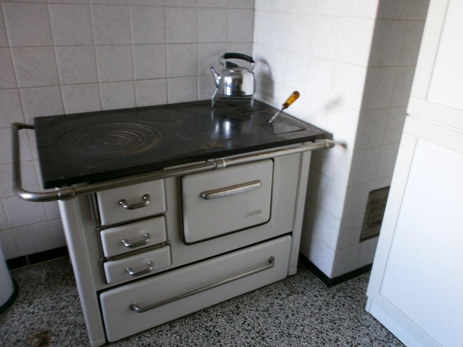 die gr ne seele kartoffel bohnen salat und eine alte bauernk che. Black Bedroom Furniture Sets. Home Design Ideas