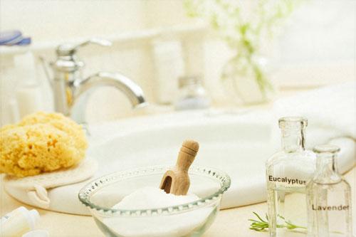 Tắm trong sữa và mật ong có tác dụng chăm sóc da