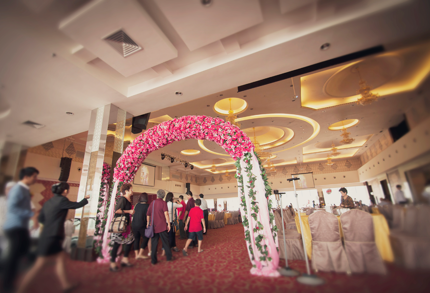 Wedding reception at 3 storey sin choi wah restaurant big arch restaurant junglespirit Choice Image
