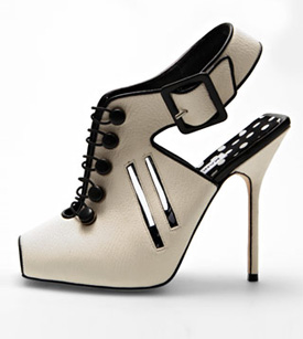 Don't surgically alter your feet to fit into these Manolos!