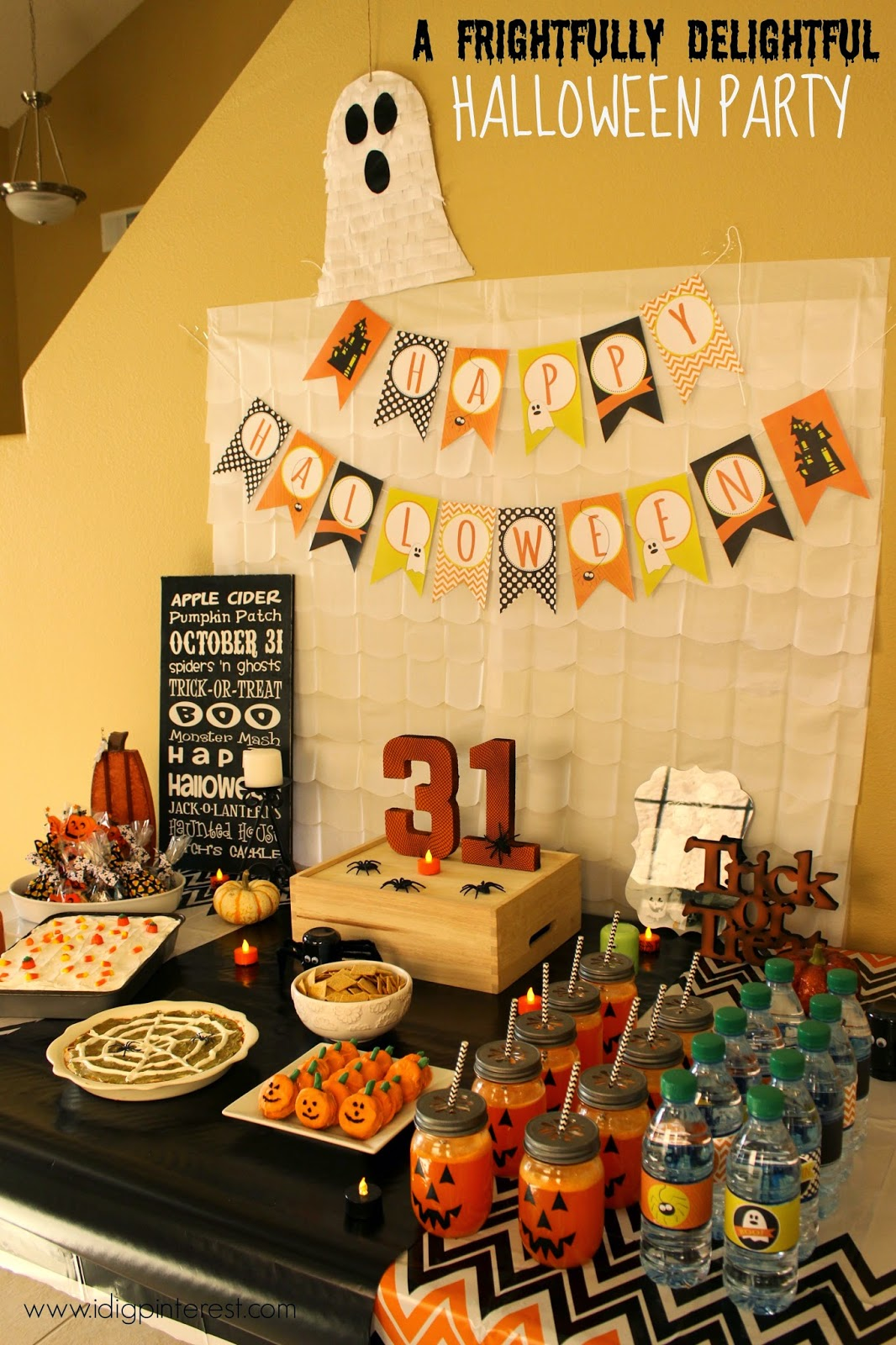 A Frightfully Delightful Halloween Party with Festive Halloween ...