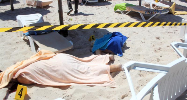 Pengganas tembak rambang pelancong di tepi pantai Tunisia, 27 maut
