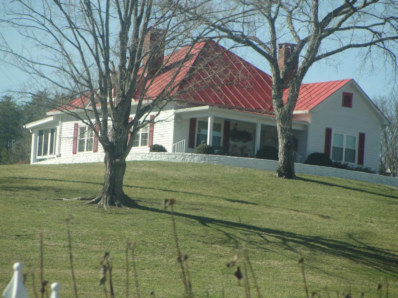 Pics of dolly parton s house for What is a shouse house