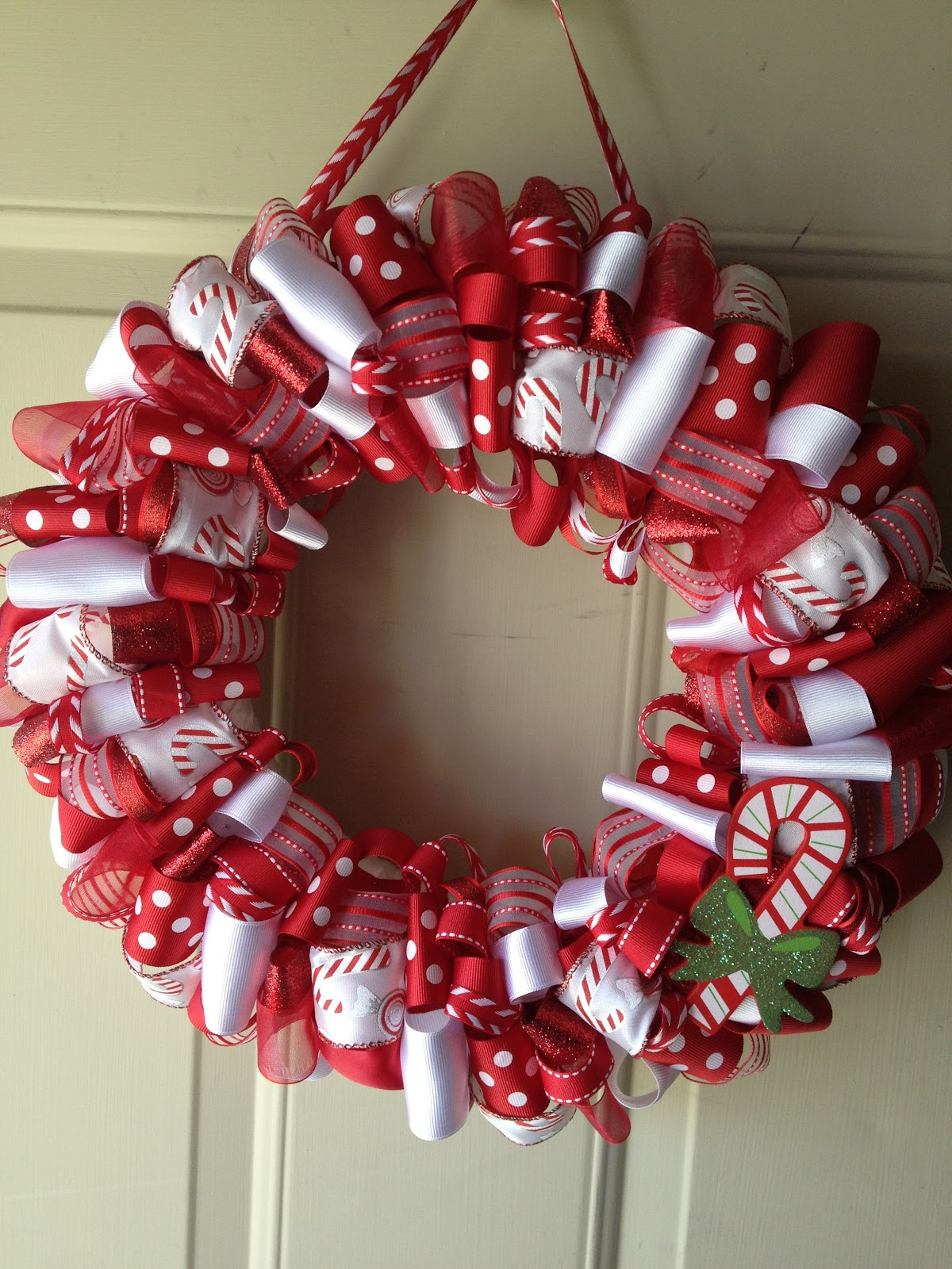 Christmas Decoration Ideas With Ribbon : Katie s ribbon wreaths candy cane christmas wreath