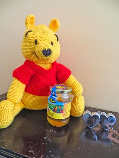 crochet Winnie the Pooh by Apestaartje