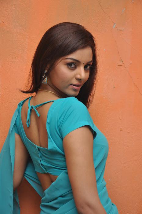 maayai movie onlocation actress pics