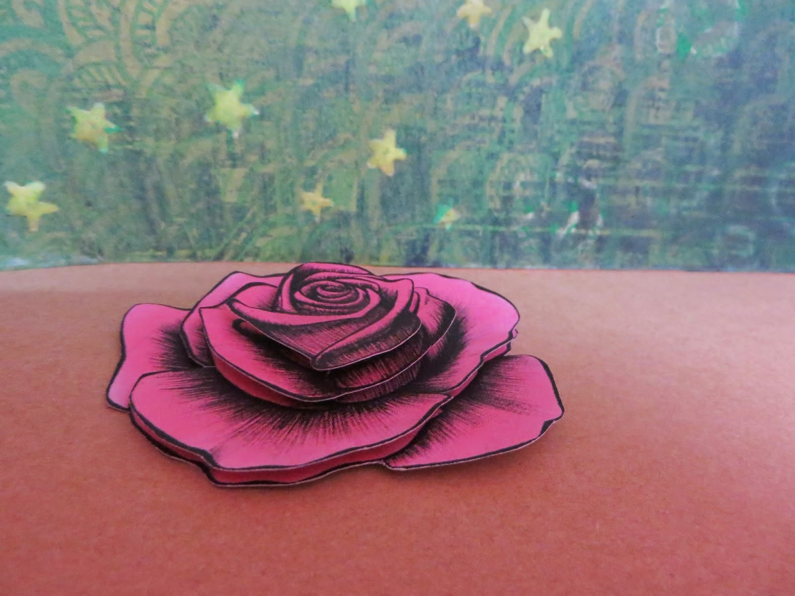 http://craftconcoction.blogspot.com/2015/02/paper-tole-rose-tutorial.html