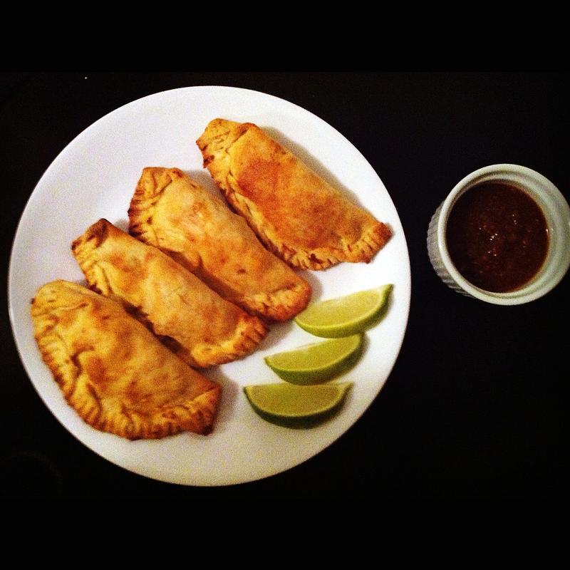 grubbus: Grubbus Cooks: Chicken Empanadas