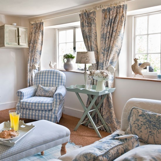 Shabbypassion stanze di luce shiny rooms for Country living room ideas uk