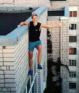 Boy falls to his death while trying to take extreme selfie (photo)
