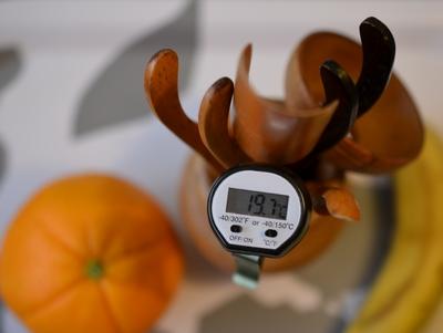 photo de thermomètre et accessoires pour le thé