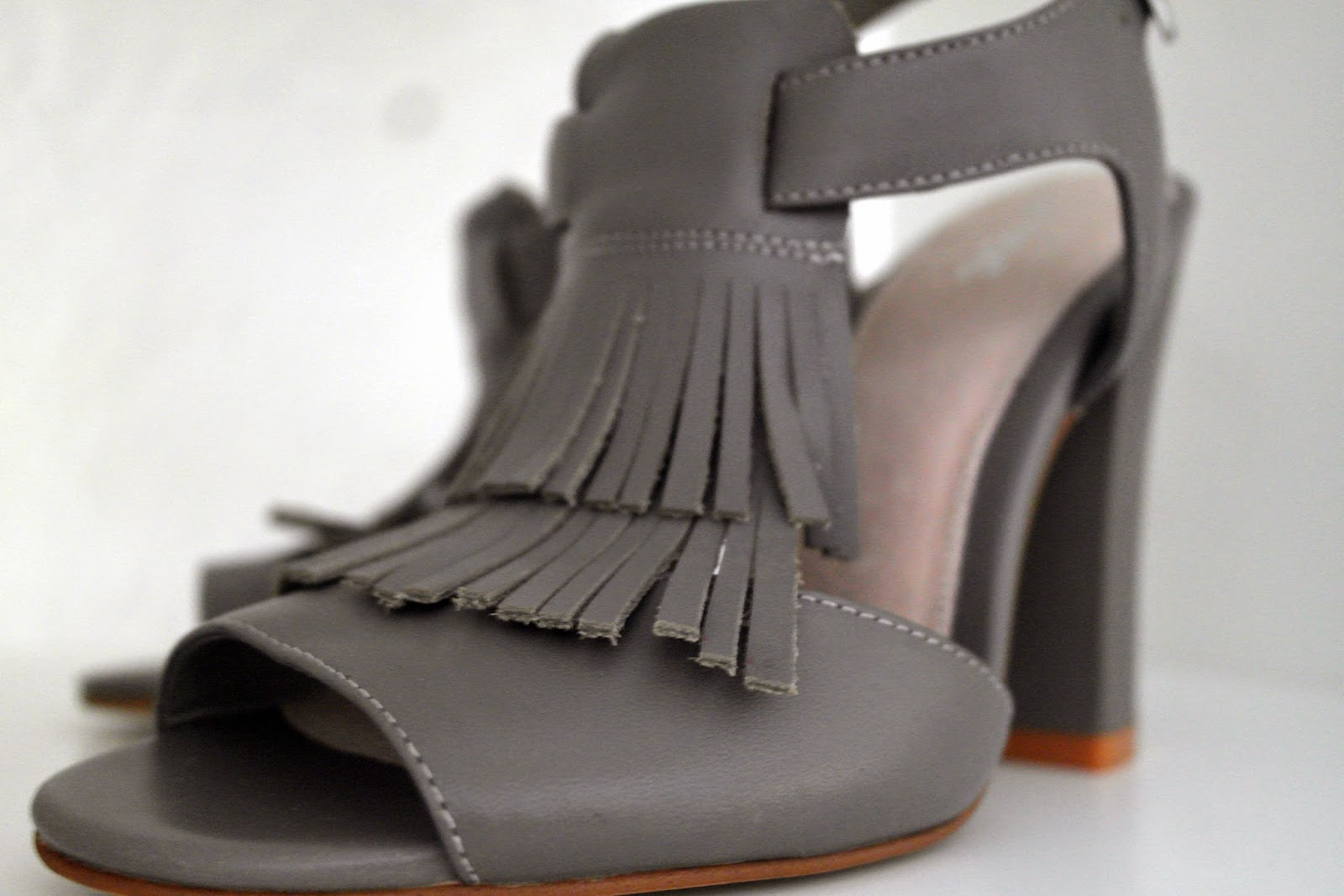 fringing heels
