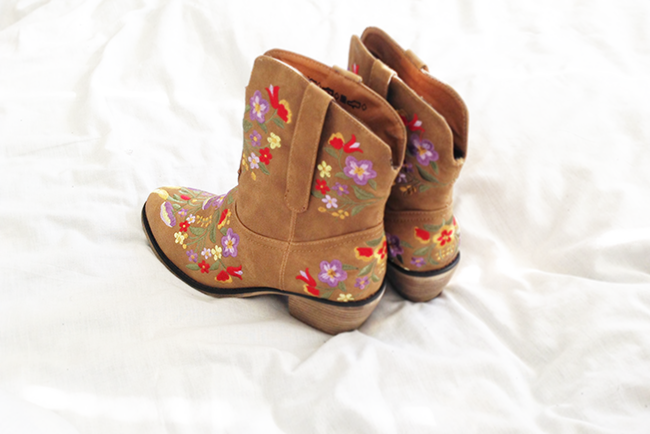 Goddiva cowgirl boots