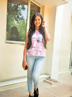 Actress Pooja Jhaveri latest glam pics-cover-photo