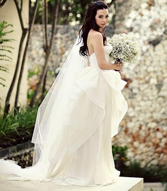 Cách chọn sắc màu hoa hoàn hảo cho cô dâu
