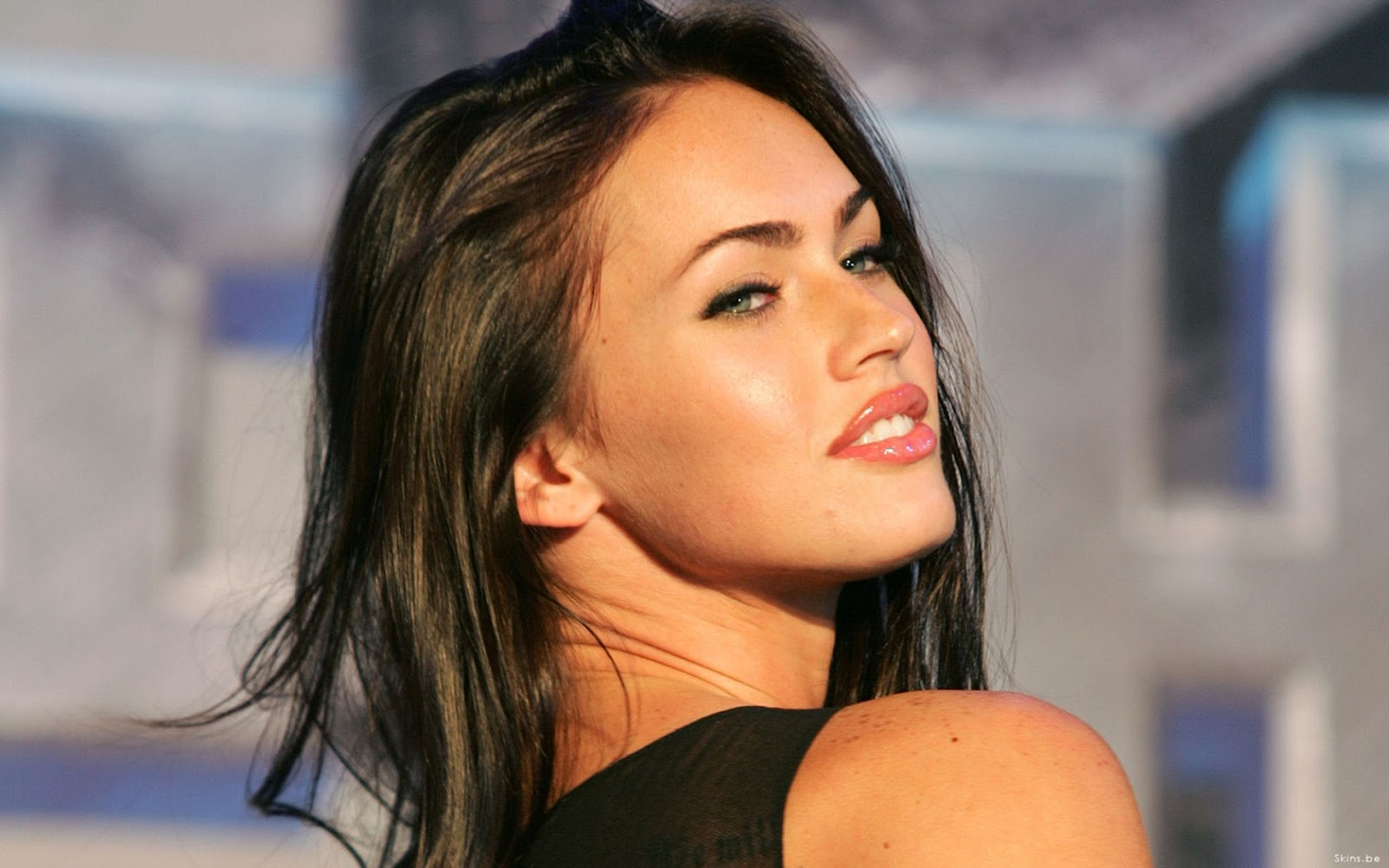 http://3.bp.blogspot.com/-TK4MRL9FAXA/USoxt8Z8P5I/AAAAAAAAAIo/tHmSfoC-X5s/s1600/Megan+Fox+Actress+HD+Wallpapers.jpg