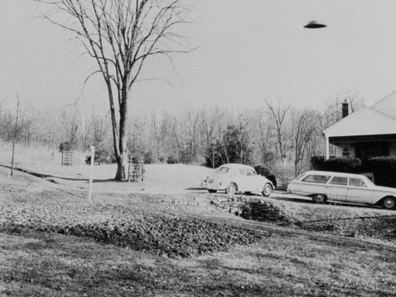 UFO-February-6-1967-Zanesville-Ohio-USA.jpg