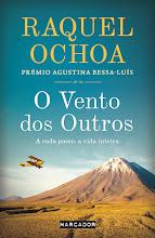 Esta é a primeira obra de Raquel Ochoa e nasceu depois de seis meses de viagem