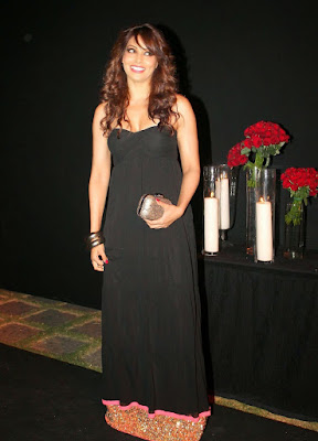 Bipasha Basu in Black Dress at succes bash party