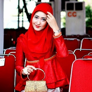 Model Jilbab Terbaru 2014 ala Dian Pelangi 2