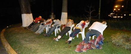 ... siete personas ejecutadas todas con mensajes en Uruapan, Michoacán