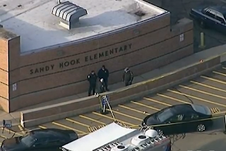 https://en.wikipedia.org/wiki/Sandy_Hook_Elementary_School_shooting#/media/File:Police_at_Sandy_Hook.PNG