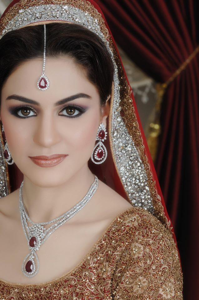 Cute Bridal Makeup Pictures : Fashion world latest Fashion: Bridal make-up fashion ...