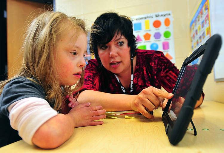 teachers teaching special education