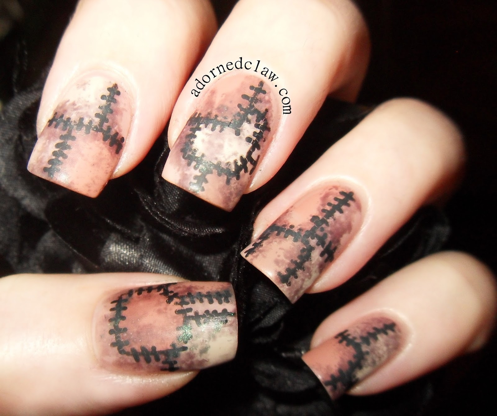 21 Spooky Nail Art Ideas for Halloween 2014