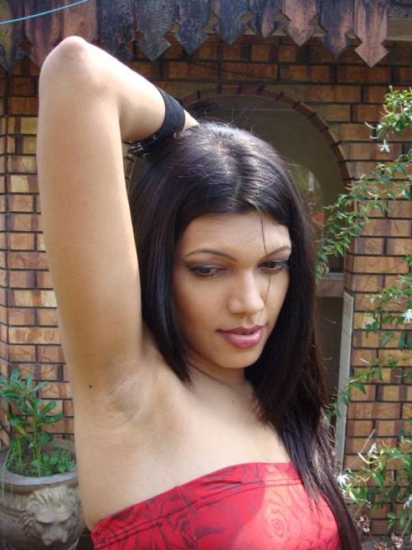 naked-armpit-girls-pics-nude-older-amateur-wife-machine