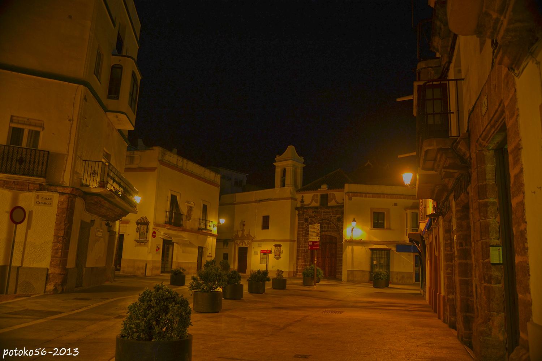 Plaza de Andalucia y frente de la Ermita de la Caridad Rota