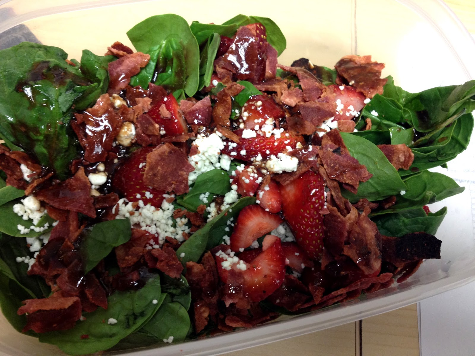 Basamic Strawberry Bacon Salad