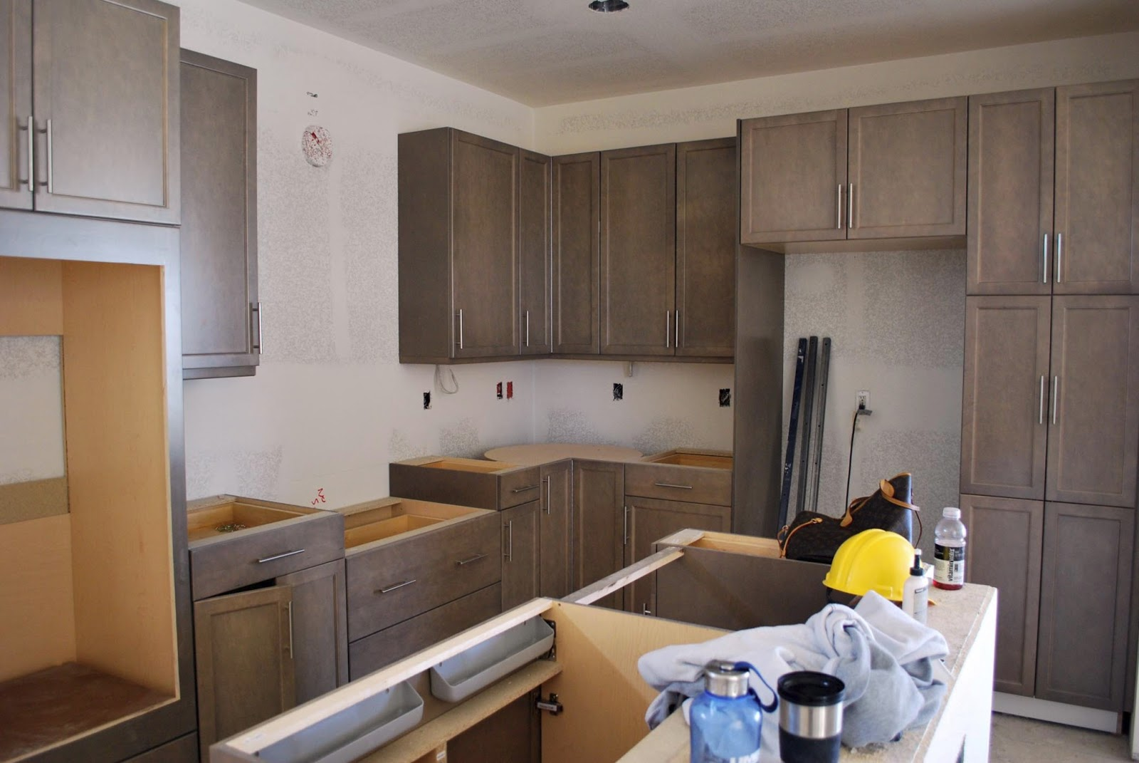 Best Grey Washed Maple Cabinets Cool Hardware With Images 400 x 300