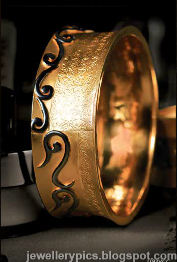 Tanishq Gujarati Gold Work And Meenakari Gold Bangles
