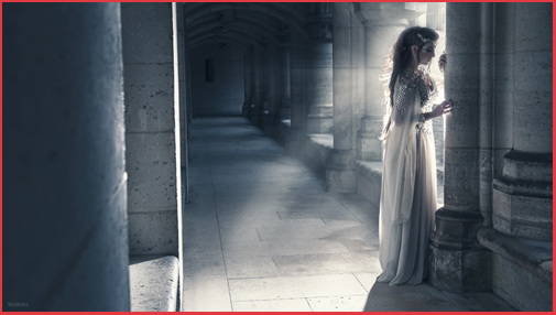 Photoshooting french medieval fashion woman dress armour jewellery Castle Camelot