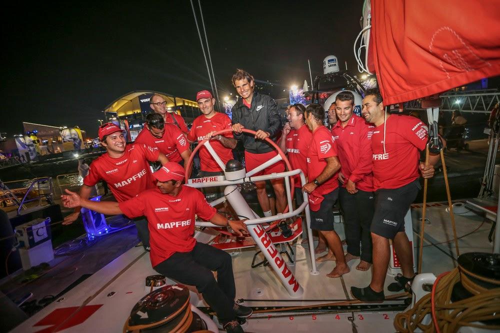 Rafael Nadal à Abu Dhabi avec ses compatriotes de Mapfre de la VOR.