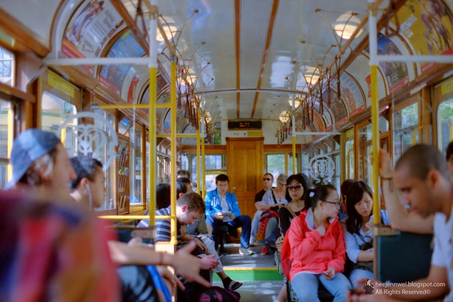 how to get to st kilda beach by tram